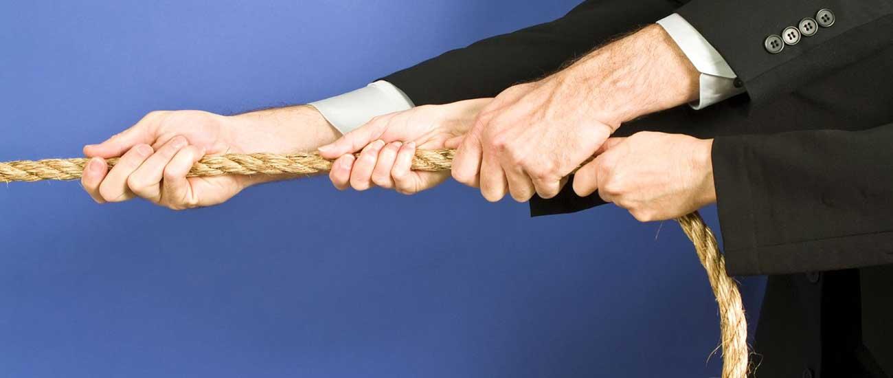 Hände mit Seil